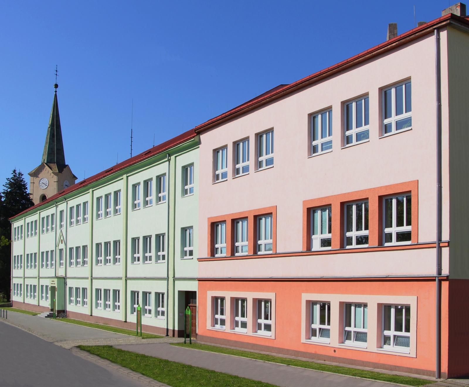 Budova Střední školy gastronomie a služeb